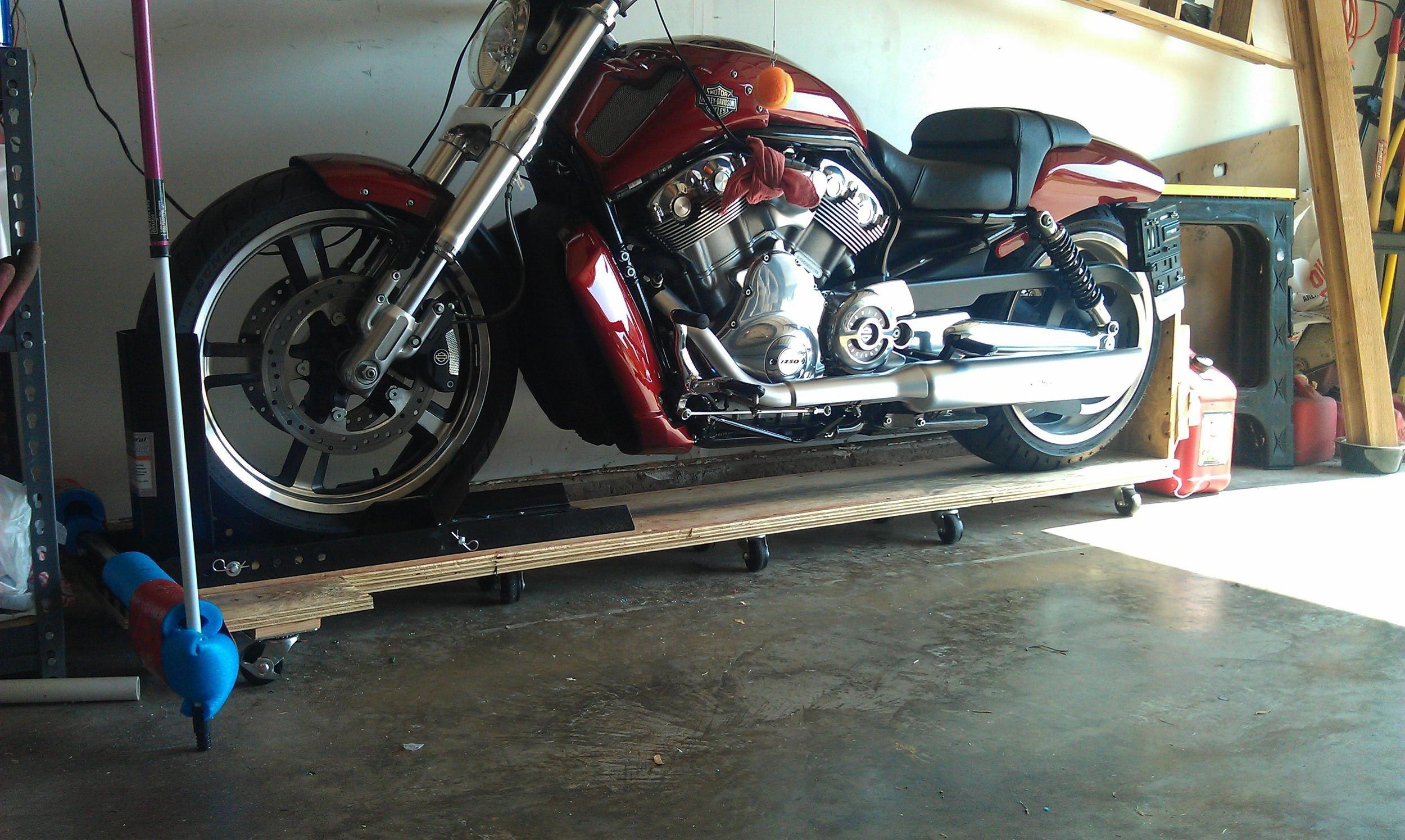 homemade motorcycle dolly | Harley