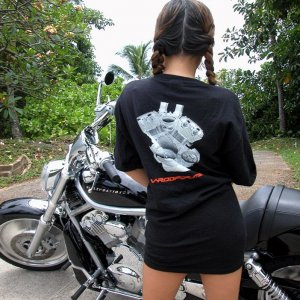 Hawaii V-Rod Girl